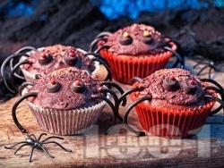 Шоколадови къпкейкове за Хелоуин във формата на паяци - снимка на рецептата